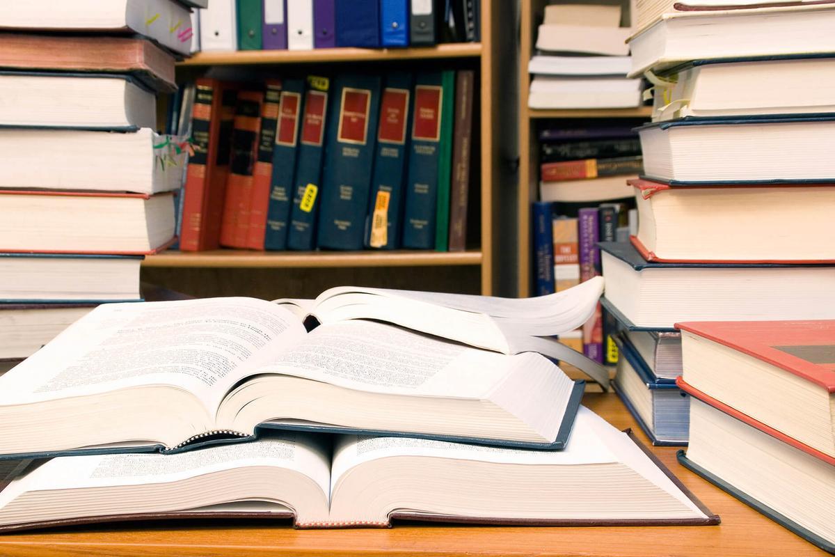 Sur l'irrégularité de la substitution de moyens d'office par le juge administratif