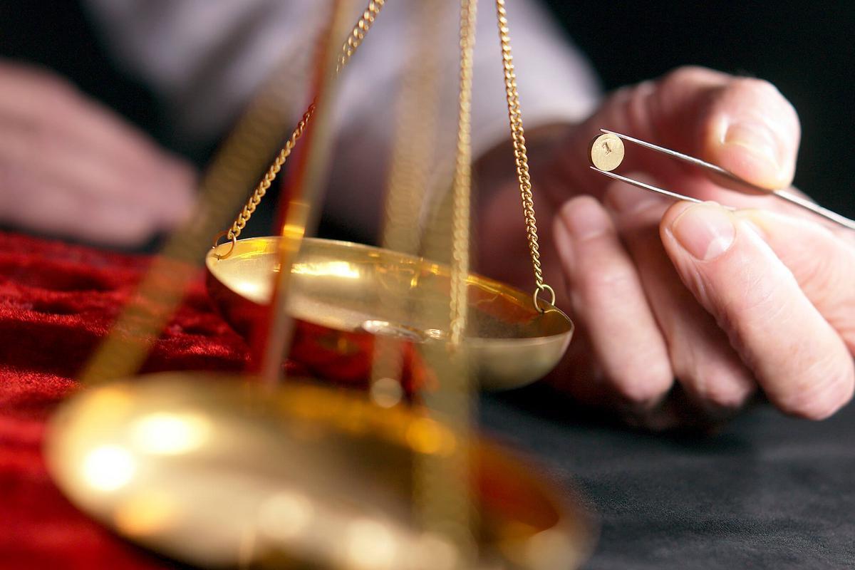 Sur la charge de la preuve de la réalisation des travaux nécessaires à la réparation des dommages en matière de garantie dommage-ouvrage